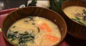 酒粕と豆乳の根菜みそ汁